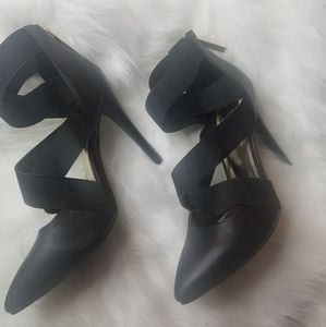 Black strap Heels (used) DM02